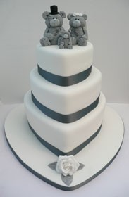 Me To You wedding cake